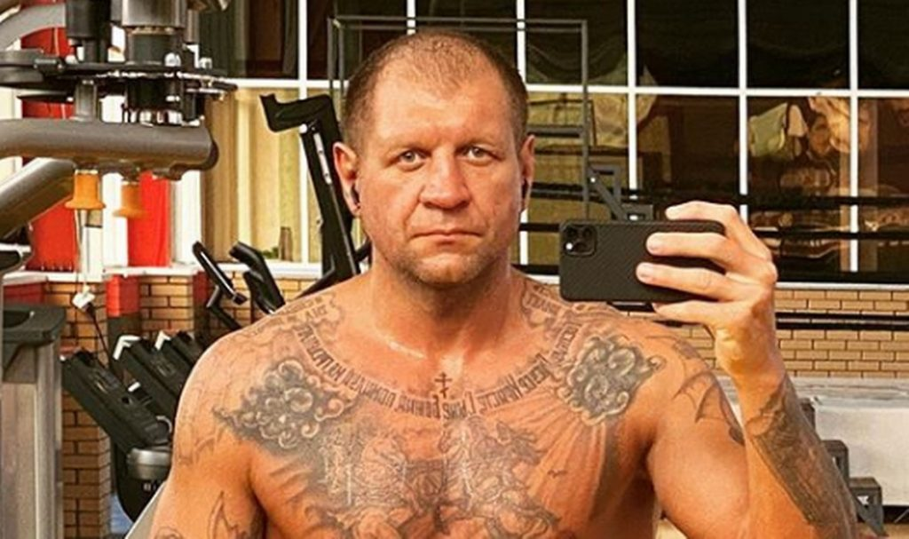 (PHOTO) Alexander Emelianenko Impressed With Form, See What 250 Pounds Of Muscle Looks Like