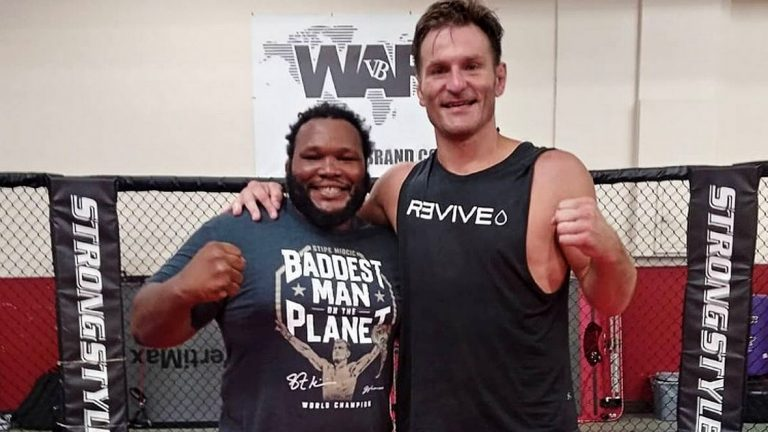 (VIDEO) Do You Know Who is The Fighter Who Played Cormier for Miocic?
